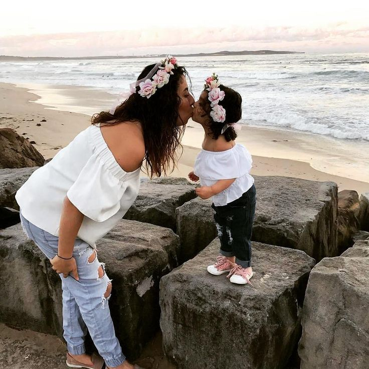 Mummy & daughter matching outfits, casual look, off shoulder top, ripped jeans, floral crown. @pigeon_pair_collection