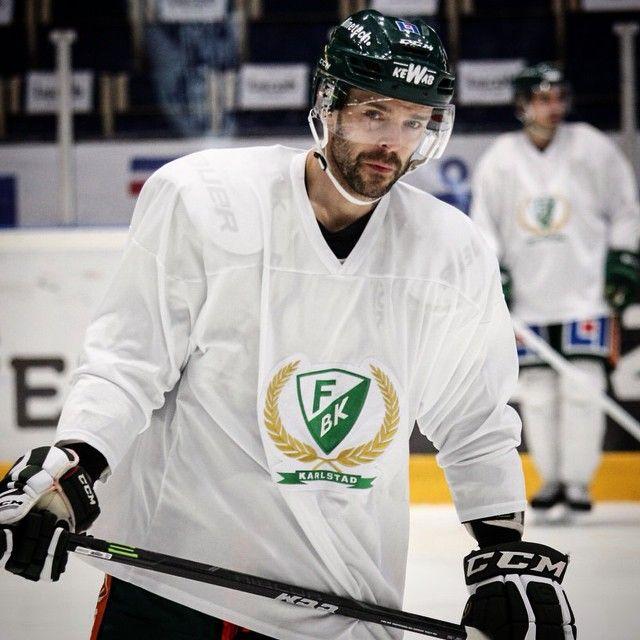SnapWidget | Klepis satte en sist. Nu hoppas vi på ett par repriser mot Växjö. #fbkse  #20  #JakubKlepiš  #hockeyplayer  #thebest