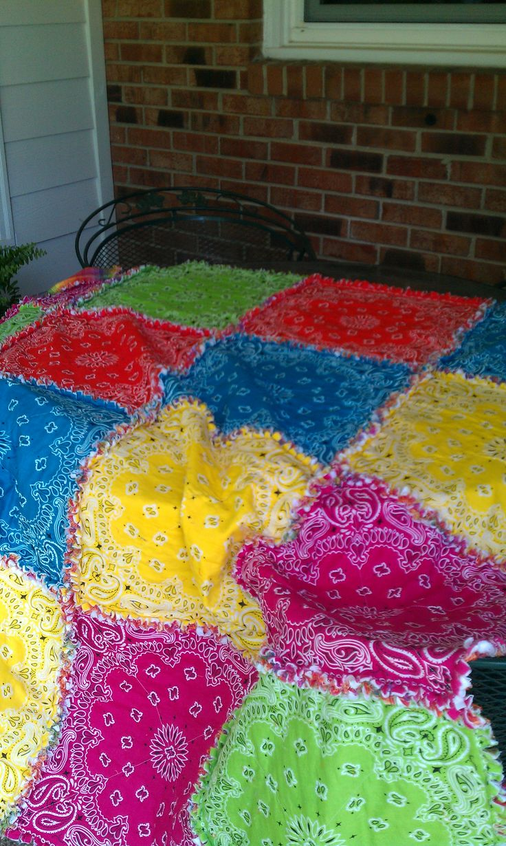 Used bright colored bandanas to make this rag quilt.  Makes any day a fun day for a picnic.