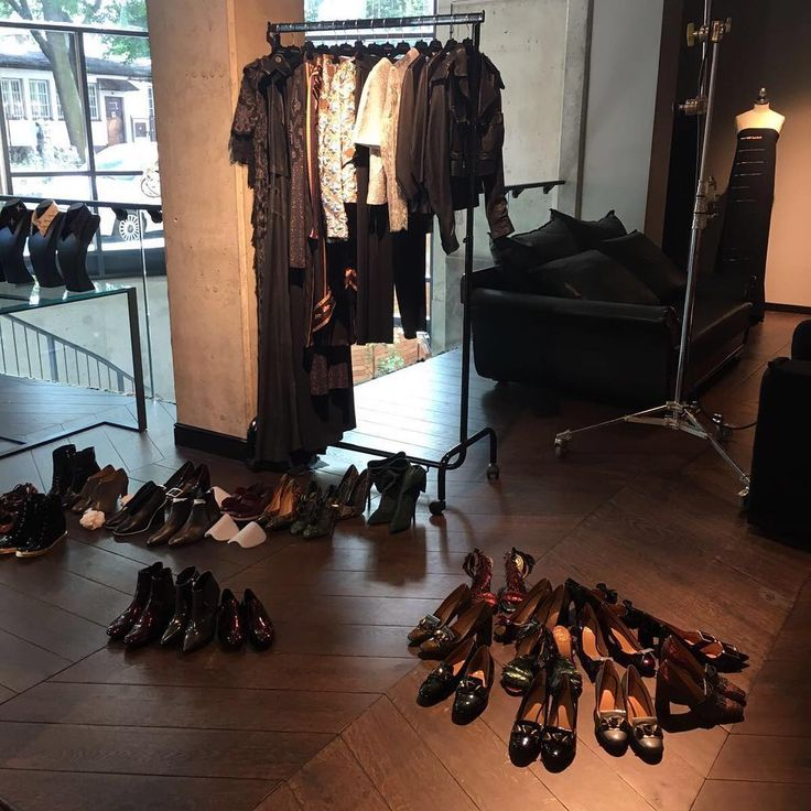 Backstage @baldowskiwb photoshoot ❤️ #comingsoon #highheels #shoes #photoshoot #instagood #baldowski #backstage #fashion #love #fw1617collection