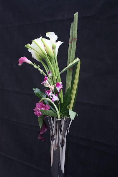 Bouquet de fleurs composition arum hortensia orchid e fleurs pinteres - Composition de bouquet ...