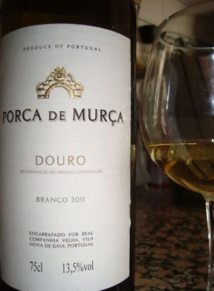 Porca Murça - Apesar do nome o vinho é muito bom. Já provei! Saiba mais sobre nomes estranhos de vinhos portugueses em http://viagensecuriosidades.com/nomes-estranhos-de-vinhos-portugueses/ #vinhos