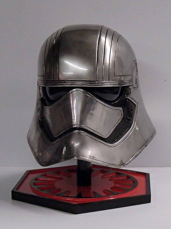 Before the movie had even hit the screens, Shawn Thorrson made this stunning replica of Captain Phasma's chrome helmet.