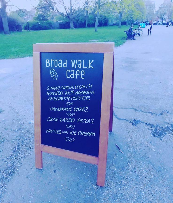 Di sini sedang awal musim semi... Bisa jadi musim munculnya kopi bergelombang (karena yang sebelumnya nggak jual kopi jadi jual). Dan yang penting semua orang ke luar rumah: nongkrong... Kedai kopi  jadi salah satu pilihan utama.  # #kopi #coffee #coffeetime #london #wheninlondon #ldn