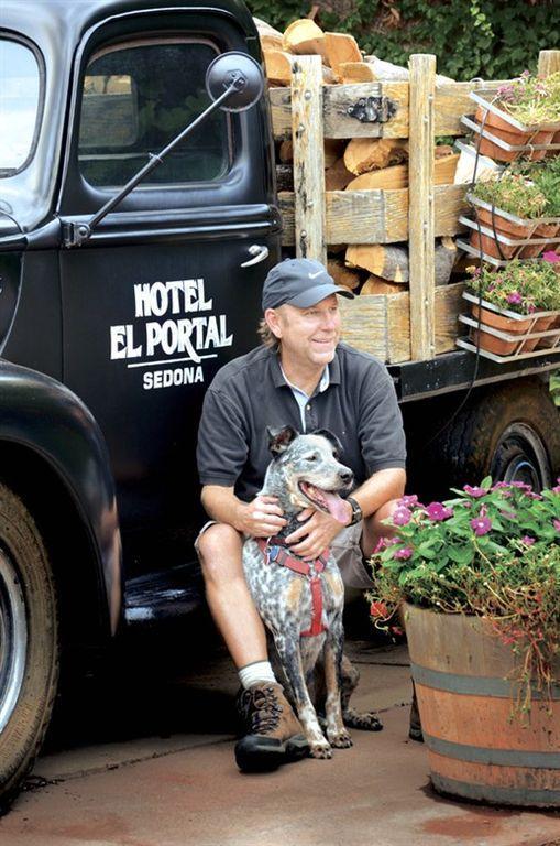 El Portal Sedona Hotel - the pet friendly hotel in Sedona for your pet! No pet fees!