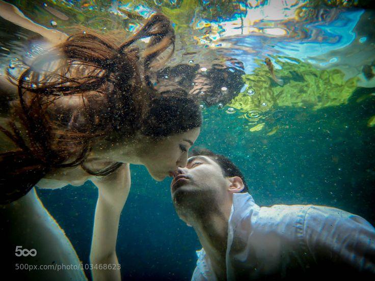 beso bajo el agua by DenisMurphy Underwater kiss