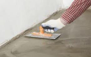 Comment ragréer un sol en ciment? Lorsque le sol présente des irrégularités, c'est-à dire des problèmes de planéités, il est important de procéder à un ragréage. Ragréer un sol consiste concrèteme…