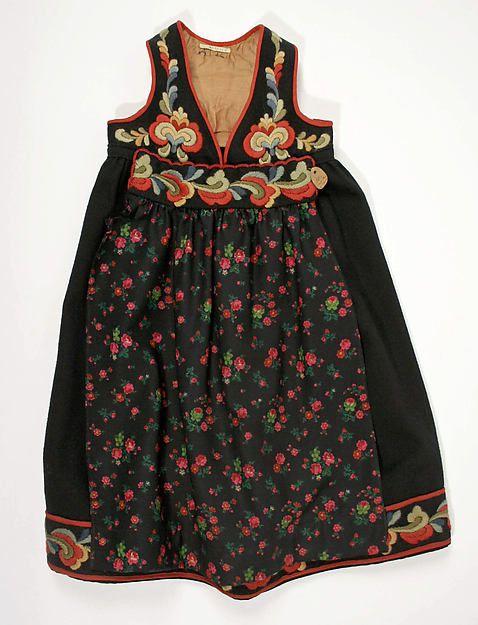Child's bunad; 1800-1939 Medium: wool