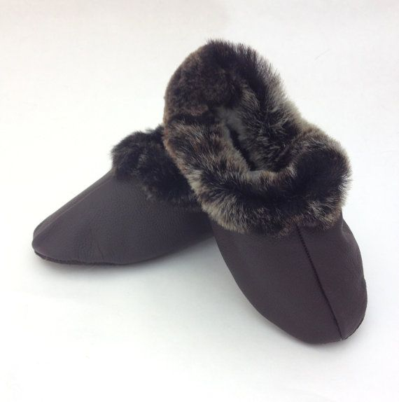 Genuine shearling slippers for children. by BeFur on Etsy, €16.50