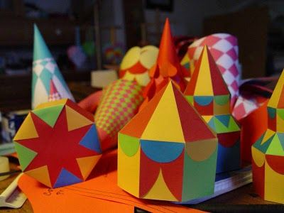 Tektonten Papercraft - Free Papercraft, Paper Models and Paper Toys: Circus Tent Papercraft Gift Box