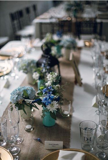 Rustic barn wedding reception table settings. & 164 best Table Settings images on Pinterest | Desk layout Place ...