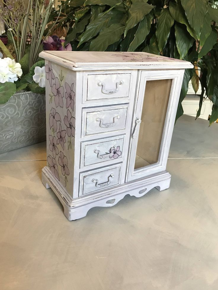 Vintage Jewelry Box // Painted Jewelry Box // Upcycled Shabby Chic Jewelry Box by ByeByBirdieDesigns on Etsy https://www.etsy.com/listing/480643135/vintage-jewelry-box-painted-jewelry-box