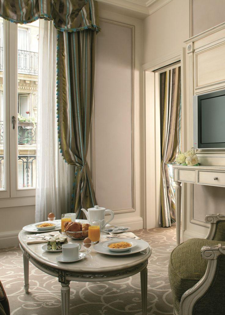 Separate living room in Hotel Balzac Junior Suites, near