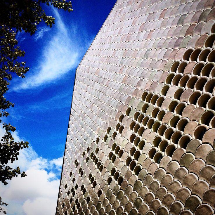 Ocannario de Lisboa / Modern building facade