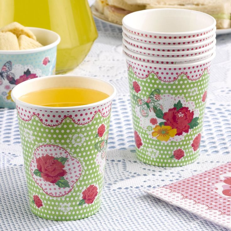 Vintage cups great for old fashioned lemonade for tea parties, vintage weddings and celebrations. Pack of 8 £2.99 www.fuschiadesigns.co.uk