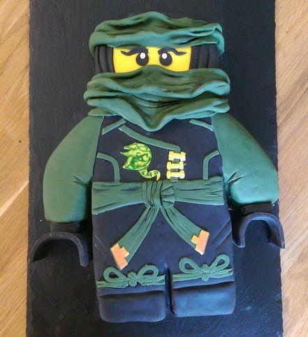 Kinderkommunion Lego Ninjago Llord  - Saftbiskuit -  - Frischkäse-Quark-Creme mit Mandarinchen -  - weiße Ganache -
