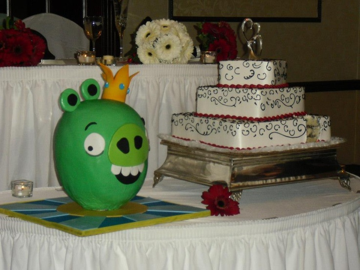 Awesome! King Pig Groom's Cake!