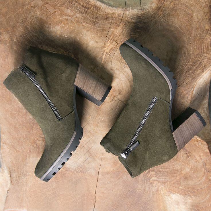 Green Omoda boots --> https://www.omoda.nl/dames/laarzen/enkellaarsjes/omoda/groene-omoda-enkellaarsjes-206c-70419.html/?utm_source=pinterest&utm_medium=referral&utm_campaign=omodalarzen8-8-16&s2m_channel=103