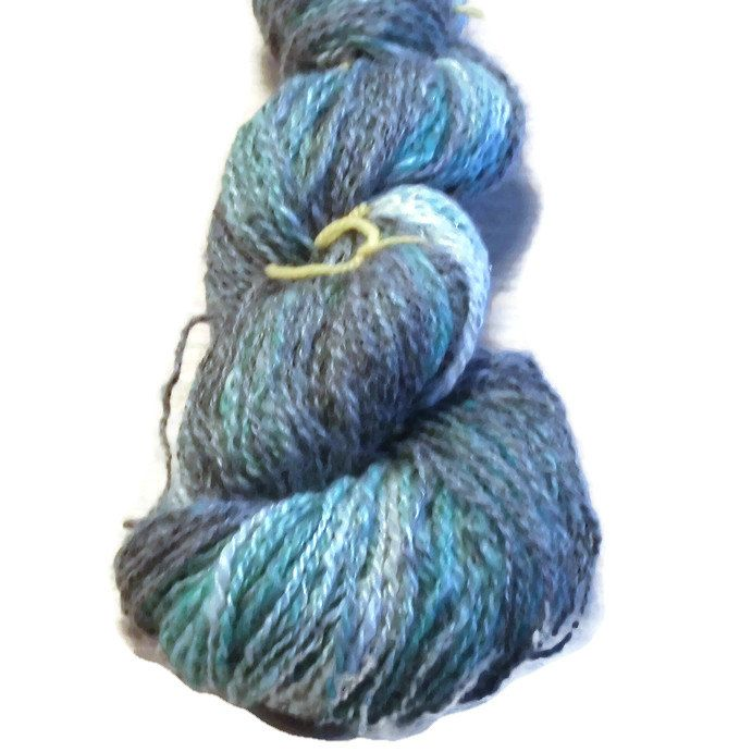 "Handspun 2 ply Fingering -  Hand Dyed Artyarn - ""Gradueted"" Lustrous Gotland Wool, Merino and a hint of Glitter -  Wool Yarn - Hand Dyed by SussesSpindehjrne on Etsy"
