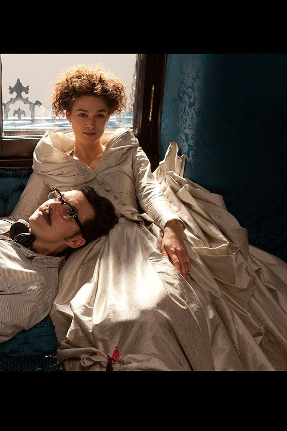 what makes anna karenina a classic Continue reading 'anna karenina' (r) toggle anna leaves her but he never loses sight of the raw human emotions that make anna karenina a classic.