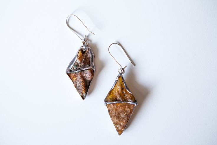 Amber earrings.  Design by Ok's Box for http://russian-amber.ru  Серьги с янтарем.  Автор: Ok's Box для russian-amber.ru