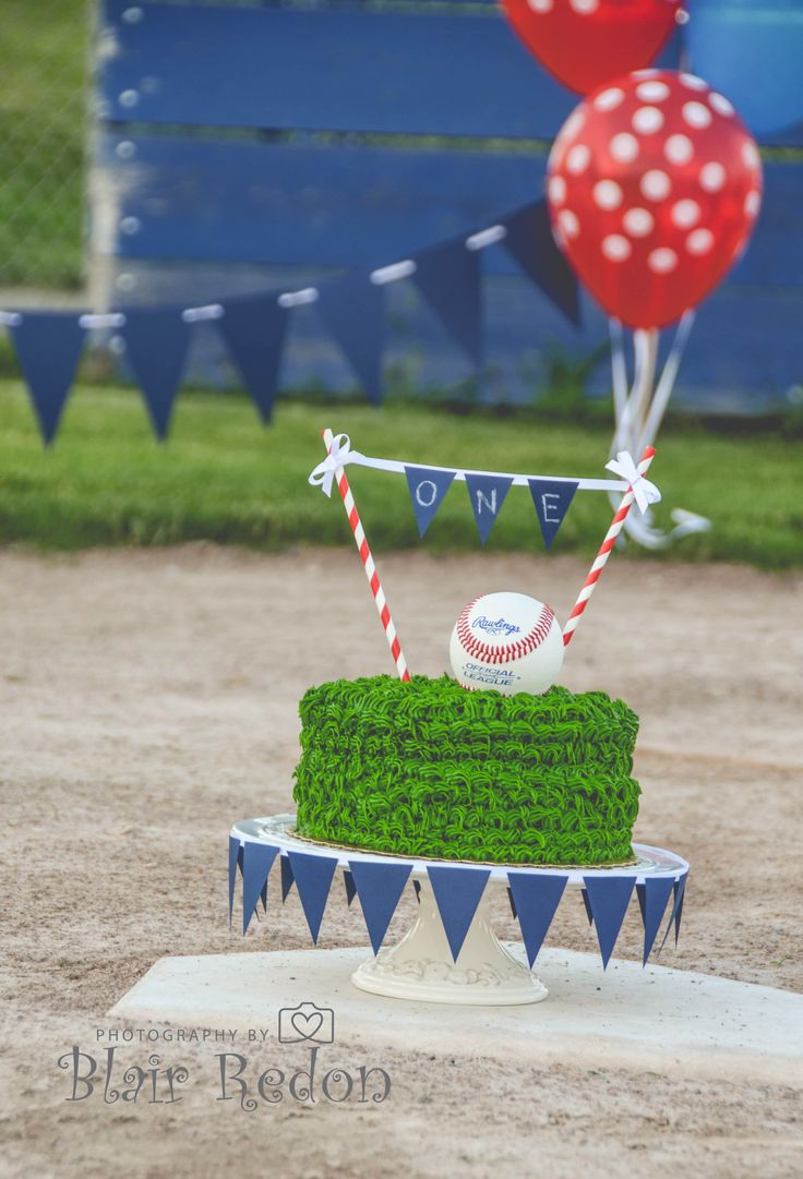 One Year Birthday Cake Smash Baseball Set up, Green Cake, Outdoor Photography