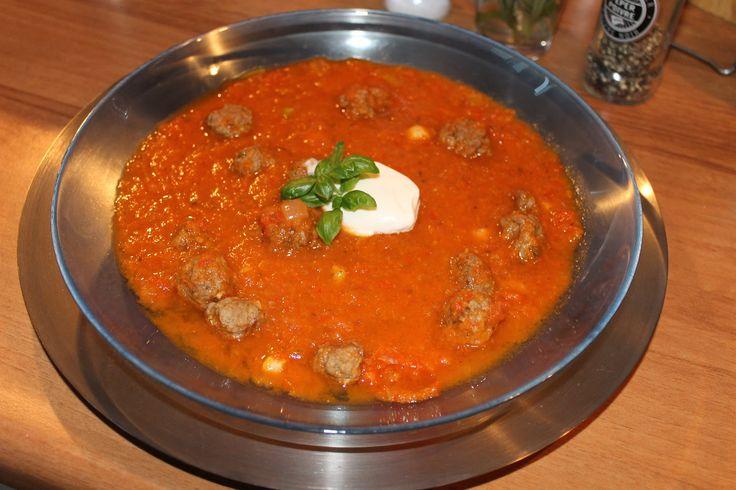 Tomatensoep met verstopte groenten - Bakken Zoals Oma