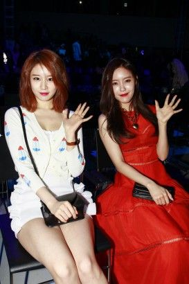 K-pop stars spotted at #Seoul #FashionWeek: From BtoB to Tiara and DTK
