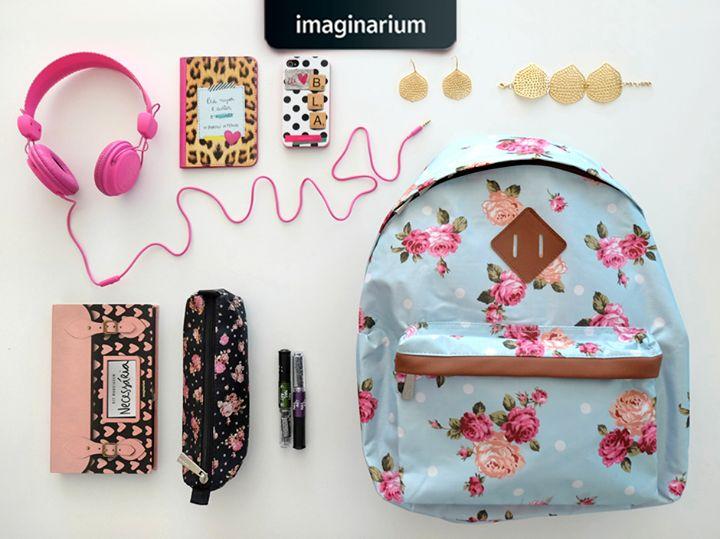 O que uma garota super badalada precisa ter na mochila?
