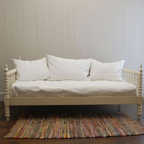 English Farmhouse Daybed French White from PoshTots