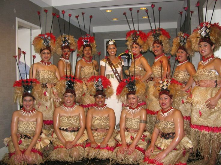 Samoan dance group with Miss Samoa 2012/2013