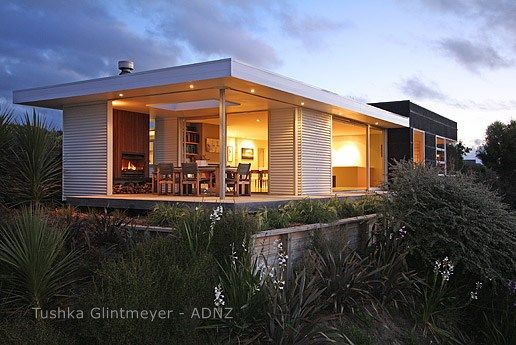 2010 ADNZ I Resene Architectural Design Award Winner by Tushka Glintmeyer #holidayhome #bach #NZ #architecture #ADNZ