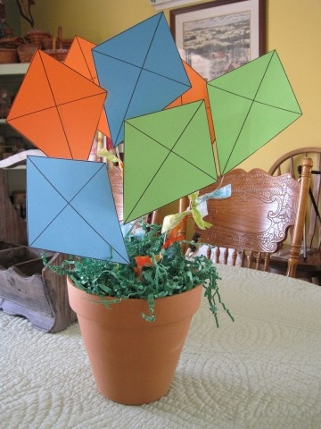 kite centerpiece- maybe put sight words or simple math equations ont he kites?