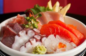 Are there any sushi restaurants near me, that are open now? Find sushi restaurants near me.