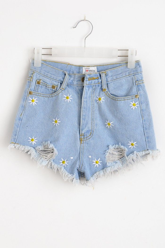 daisy hole fringed slim denim shorts