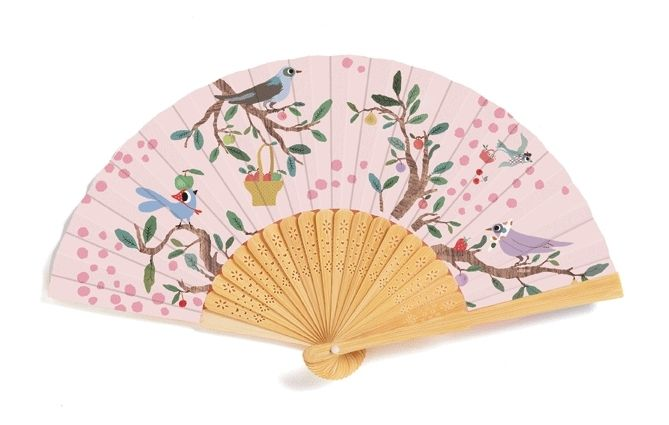 The Summer Garden fan is the perfect accessory for princesses and young ladies! �The fan is traditionally made in bamboo and fabric, with a beautif...