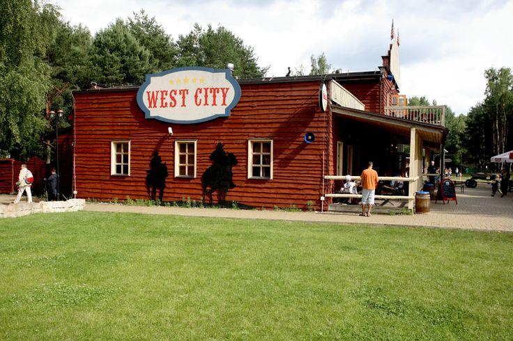 restauracja Country Saloon, imprezy firmowe, imprezy okolicznościowe, wyśmienita kuchnia, CKR Promenada nad Zalewem Zegrzyńskim