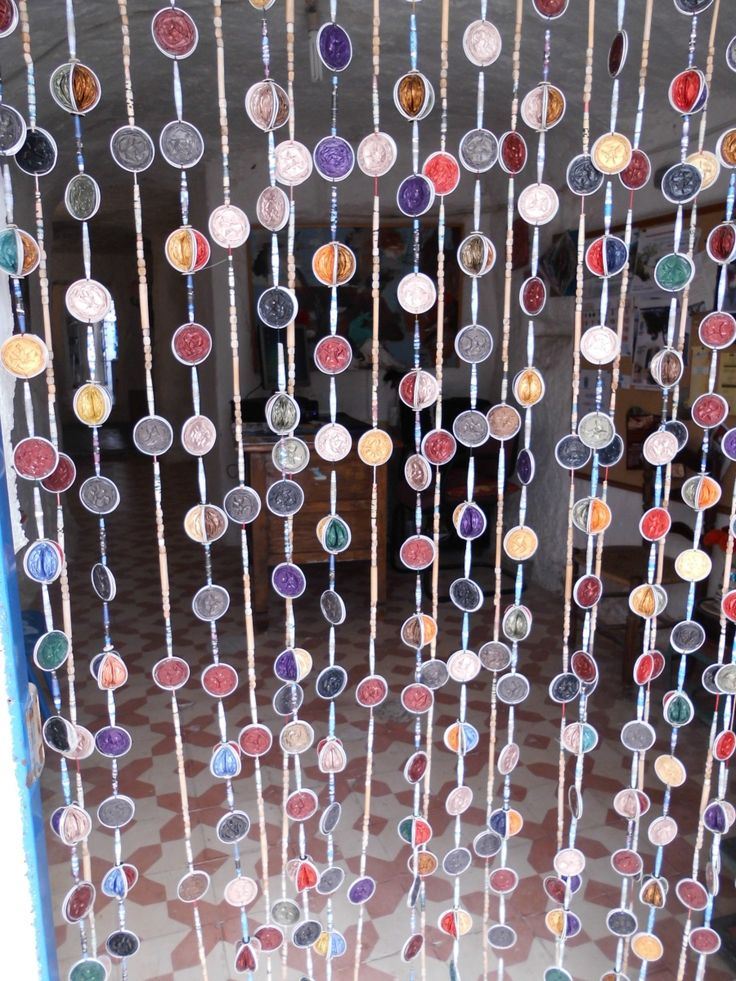Perlenvorhang aus Nespresso Kapseln - Curtain of Capsules