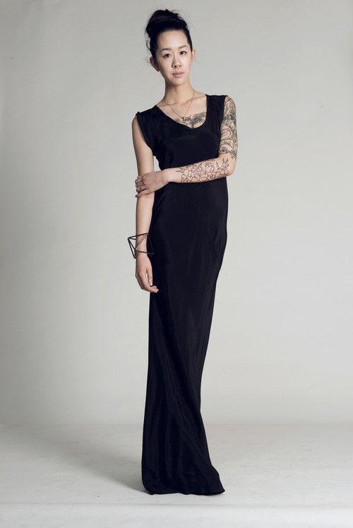 Titania Inglis Solid Helix Dress / Cupro Twill T-shirt Dress