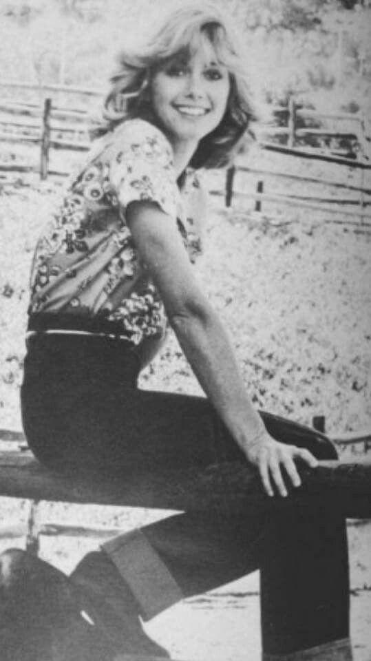 ~ Olivia Newton - John ( Young )