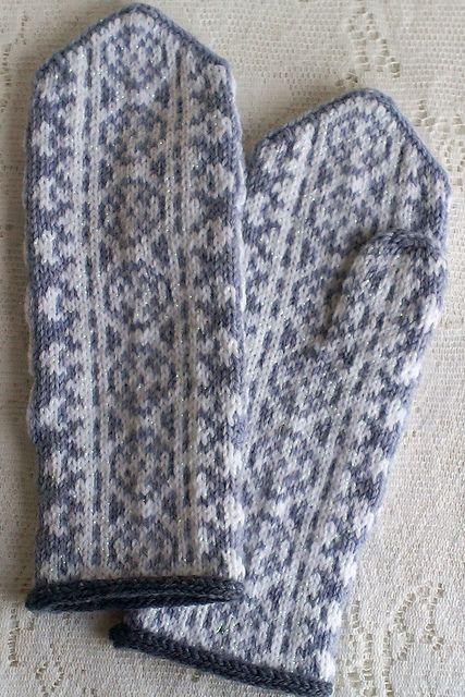 SweaterGoddess' Frost Flowers Mittens