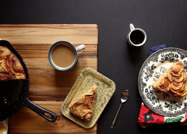 Cinnamon-Sugar Apple Skillet Cake Recipe