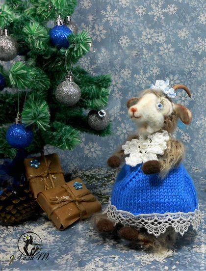 Новый год 2015 ручной работы. Ярмарка Мастеров - ручная работа Вязаная Коза Люси. Handmade.