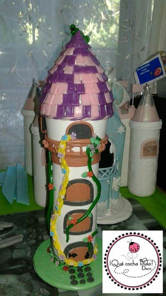 Torre de Rapunzel. #porcelanafria #biscuit #polymerclay #quecochalinda #souvenirs #cumpleinfantil #rapunzel #enredados #princesasdisney
