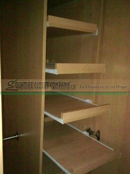 Zapatera extraible en mdf melamina closet 39 s a medida de for Closet de madera con zapatera