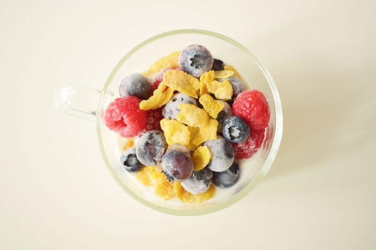 food photography, food styling, blueberry, raspberry, yoghurt