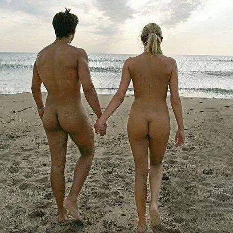 "kwmlnaturist: "" Loving couple at the beach. """