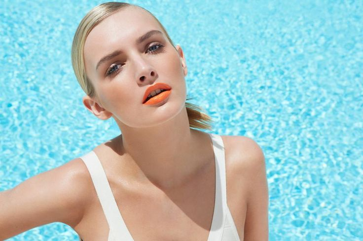 Lips burned from being in the sun too much? Here's how to soothe them: http://stjo.es/1yY1NpI  pic.twitter.com/7hunorLpHI