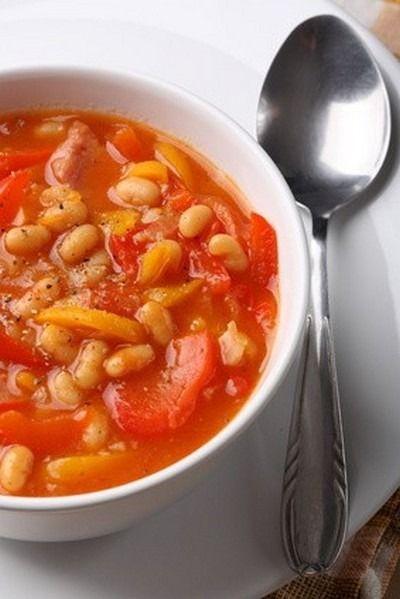 """750g vous propose la recette """"Haricots de Soissons à la tomate et à l'ail"""" publiée par Cassegrain."""