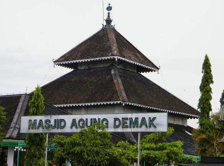 Sejarah Bangunan Masjid Agung Demak